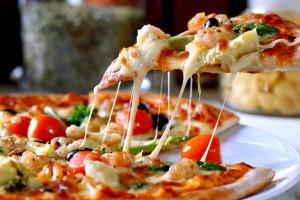 Pizza Capricciosa. Mister Pizza Livigno